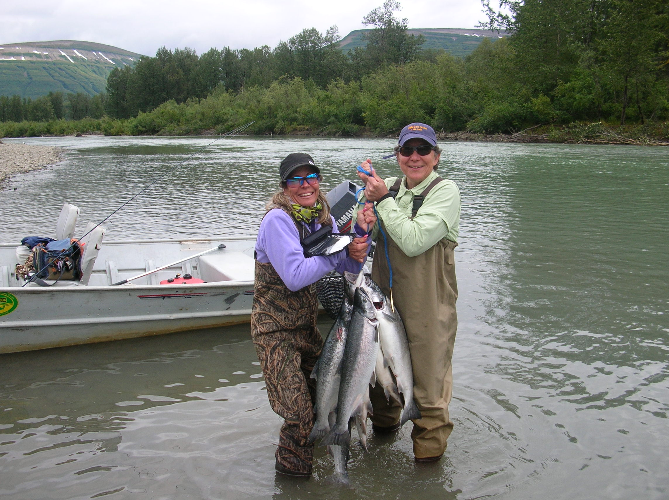 Alaska fly fishing rainbow point lodge fly fishing lodge for Alaskan salmon fishing